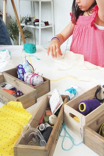 Talleres infantiles de manualidades, confección y costura Piccola Lucía